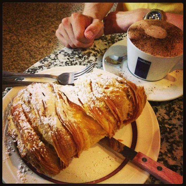 lobster claw & mocha, Caffe Vittoria