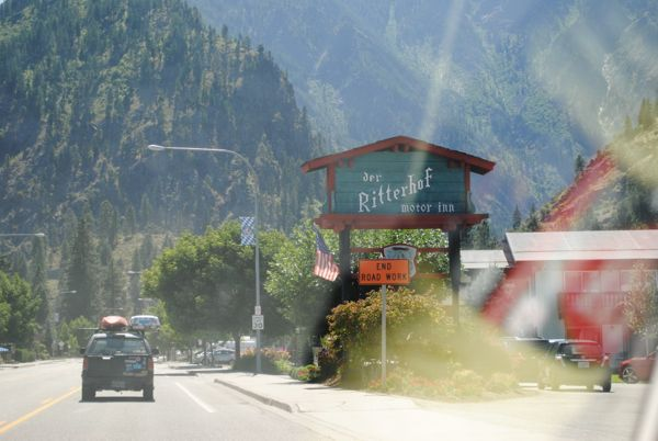Leavenworth sign