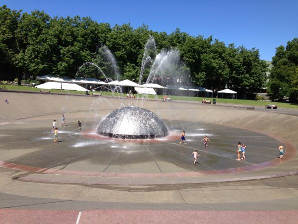 Fountain in Seattle Center